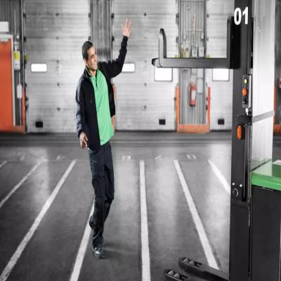 科尔摩根丨kollmorrgen AGV与机器人共同协作